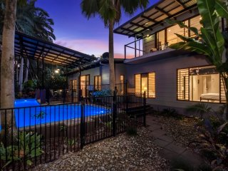 Escape to Paradise Villa 2 - Port Douglas