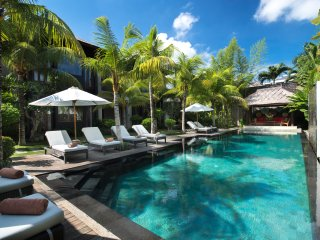 Elegant & Ethnic  Design villa 6 BR  7 mins away to Seminyak Beach