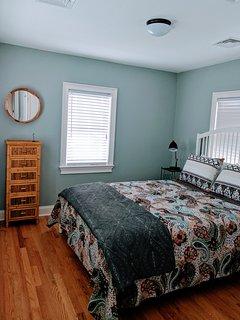 Back bedroom, new queen bed