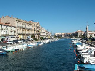 Charming Apartment for 4 in the Heart of Sète