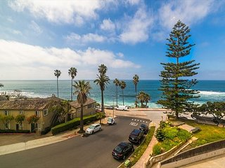 Oceanfront w/ Views, Walk to Beach, Shops & More