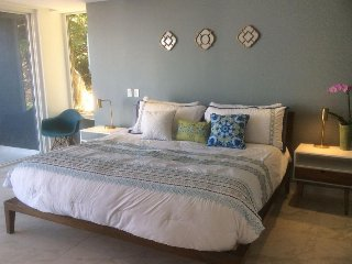 2 Brand new Bedrooms Condo in Romantic Zone !