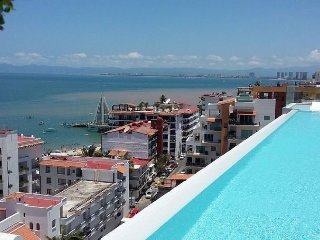 2 br Gorgeous Condo in Romantic Zone ! one block away from los muertos beach