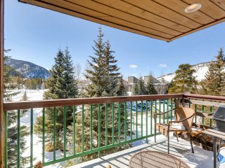 Studio Condo in Lakeside Village Sleeps 4 . Kids Ski Free! ~ RA143809, Keystone