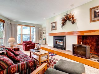 Spacious 1Br Condo Sleeps up to 4. Kids Ski Free! ~ RA141861, Keystone