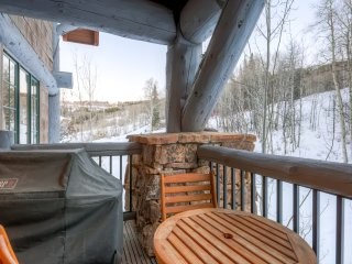 2Br/2.5 Bath Bear Paw Lodge, slope side in Bachelor Gulch ~ RA141854
