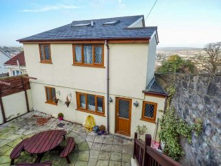 WINTERWOOD, semi-detached, four bedrooms, dog-friendly, in Newton Abbot, Ref