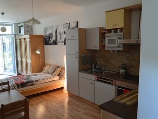 Lovely Vienna Apartment mit Garten (T)