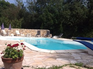 House with 2 rooms in Jouques, with private pool, enclosed garden and WiFi