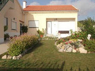 House - 7 km from the beach, Lourinha