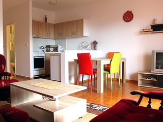 NR/ One-Bedroom Apt ,partly Sea View, Vala(2+2)