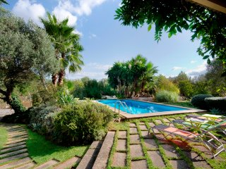 L09MLL Traditional villa close to the old town of Pollensa in the north
