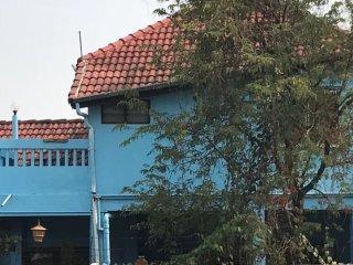 Nice Family House near Old City