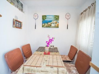 Cozy two bedroom apartment in Grebastica