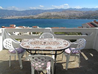 Two bedrooms in apartment in Pag