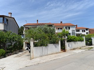 Classic two bedroom apartment in Pula
