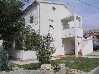 Apartments Elizabeta - Crven A2+2 (P3508-1), Pag