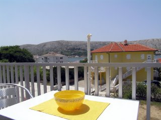 Beautiful one bedroom apartment in Pag