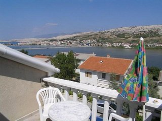 Classic one bedroom apartment in Pag