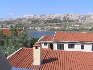 Apartments Vozab - A2+1 PR D2 (P3535-10), Pag
