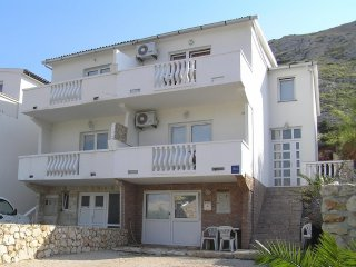 Excellent one bedroom apartment in Pag