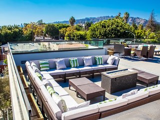 West Hollywood Mansion with Big Rooftop Patio, Private Pool, Hot Tub and More
