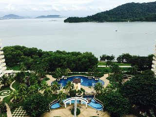 Stunning Sea View Resort, Bayan Lepas