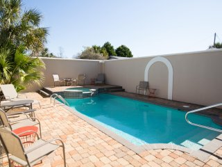 Stunning 5 Bedroom Home - Private Pool & Hot Tub!  West End - Elevator!!!