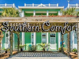 Southern Comfort - Private Pool & Rooftop Terrace! 3 Bdrm/3.5 Baths - Stunning!