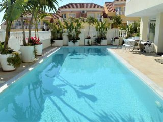 4 Bed XL Villa / A/C / Wi-Fi / Heated Pool / Outdoor Kitchen / Villamartin