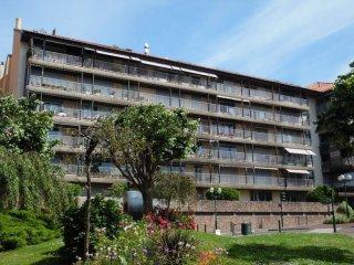 Residence Izarra 8- centre ville a 400m de la plage