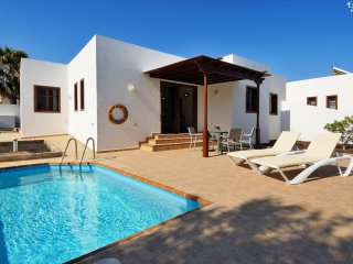 Playa Blanca Holiday Villa 11390