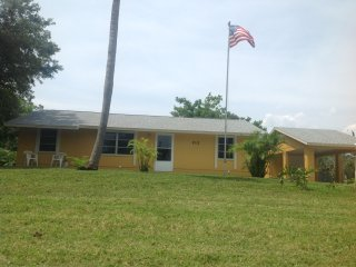 2+/1.5 Home - One mile to Nokomis Beach/Casey Key