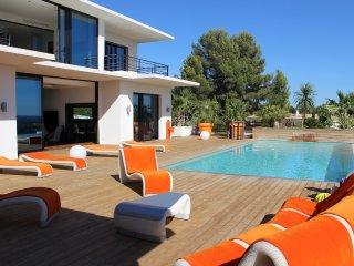 Lumineuse villa contemporaine à Eguilles près d'Ai