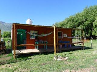 Cabaña para 6 con acceso para discapacitados y cocina, frente al lago, Tafi del Valle