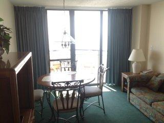 MERIDIAN 1502: 1BR, 2 DOUBLE BEDS OCEANFRONT
