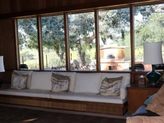 Amazing Edna Valley Views, Awesome Amenities, Close to Town, Beach and Shopping