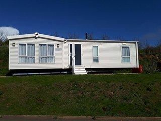 6 Oasis Court, Freshwater Bay, Nr West Bay, Dorset