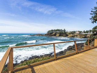 OCEANFRONT, Whale Watch From private Ocean Decks with firepits at Oceans Edge!, Depoe Bay