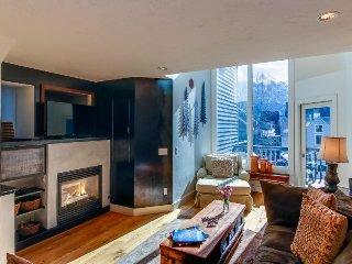 Upscale, multi-level condo w/ great mountain views - walk to ski lift