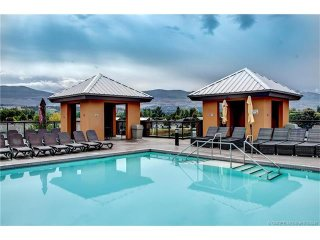 Kelowna Near Beach, Playa Del Sol, Sleeps 4 +