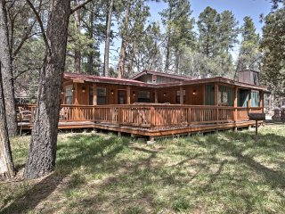 Riverfront Ruidoso Home w/ Hot Tub - Walk to Town!