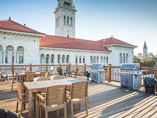 Stay Local in Savannah: Downtown 2 Bedroom Condo w/ Rooftop Deck & Parking