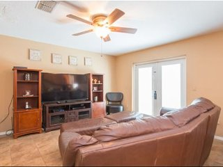 Family Fun at this Creekside 5 Bedroom 2.5 Bath Pool Home. 4305BBD, Kissimmee