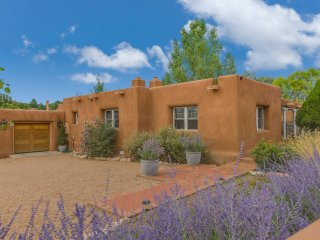 Two Casitas - Canyon River - Luxury Adobe Home, New Furnishings to Come, Santa Fe