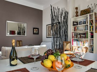 Casa Desiderio apartment in Via Veneto with WiFi & lift.