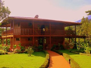 Highly Recommended!!  Secluded Guest Privacy Yet Central To All Activities, La Fortuna de San Carlos
