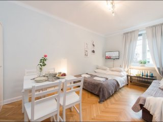 Plac Bankowy 4 apartment in Stare Miasto with WiFi.
