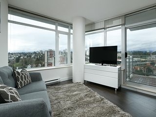 view,luxury waterfront condo for family or group by the skytrain