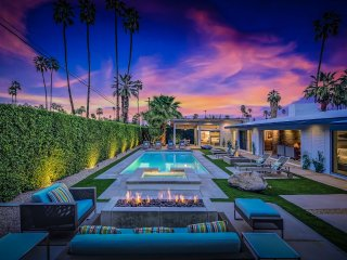 Champagne Dream, Sleeps 8, Palm Springs